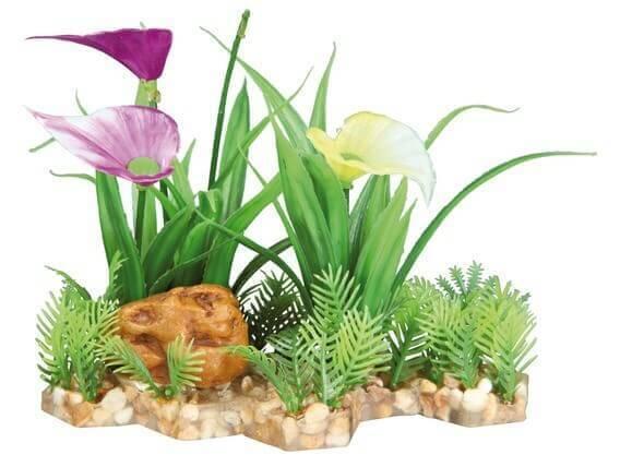 Plante plastique sur lit de graviers_0
