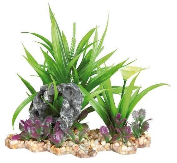 Plante plastique sur lit de graviers_1