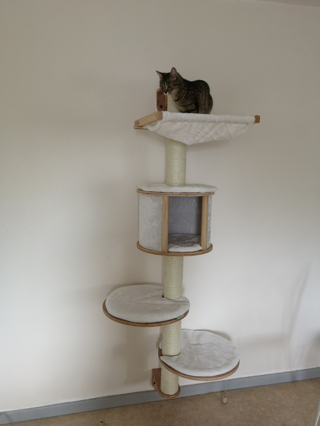 Arbre A Chat Mural Design reviews about dolomit scratching post system