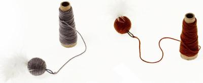Bobina de lana y pelota