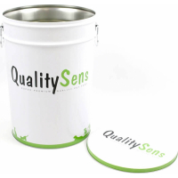 Dry food dosing cups and containers