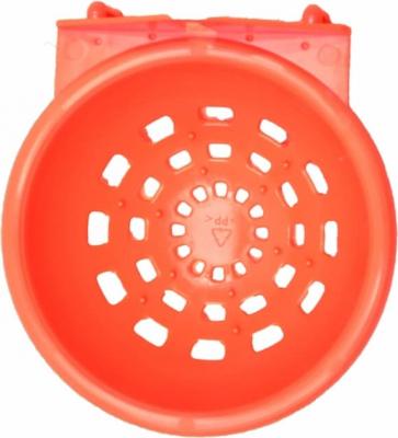 Nid plastique rouge avec crochets