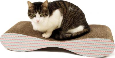 Grand Griffoir pour chat en carton ZOLIA Balco + Herbe à chats incluse