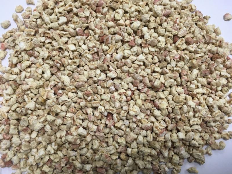 Areia Vegetal Flocos de milho naturais e biodegradáveis