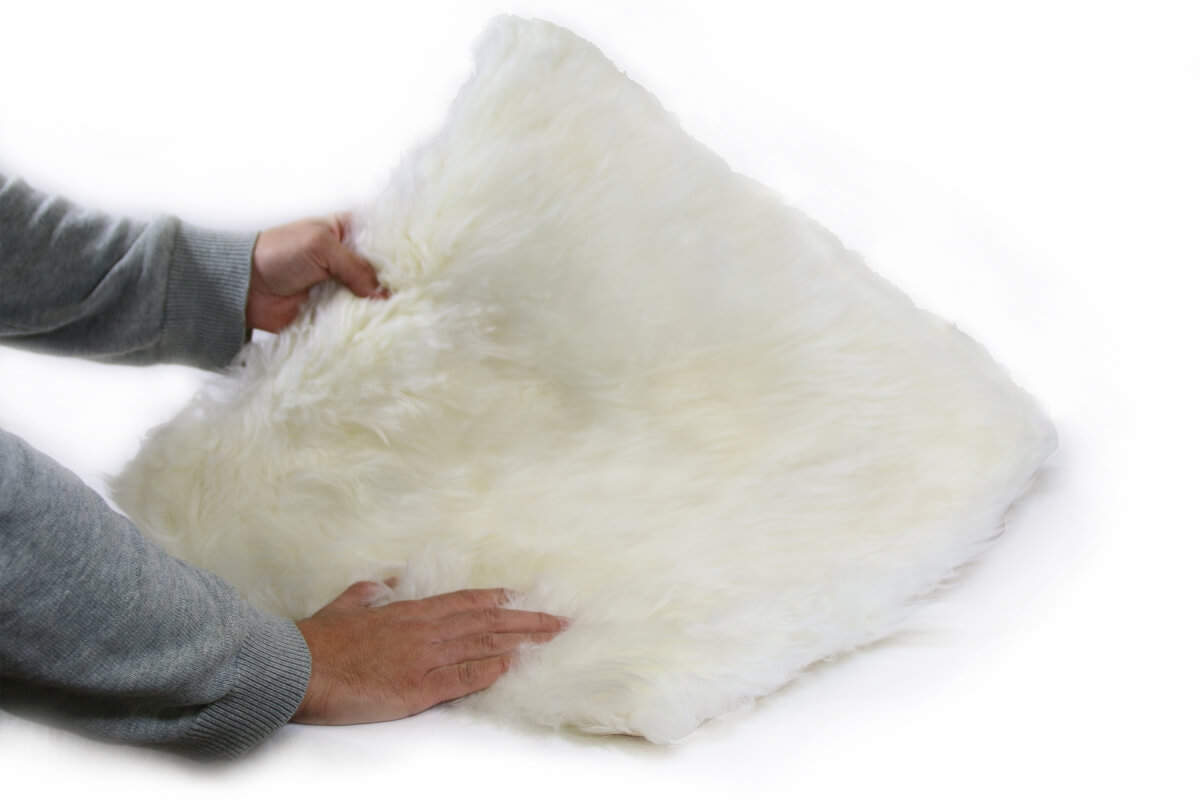 coussin pour chat peau de mouton couchage chat. Black Bedroom Furniture Sets. Home Design Ideas