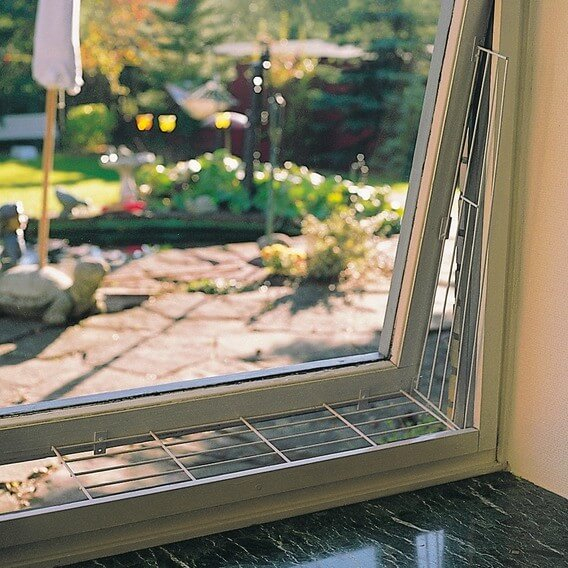 grille de protection pour fen tres lat rale. Black Bedroom Furniture Sets. Home Design Ideas